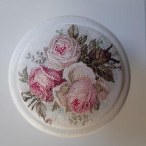 Vintage rózsás bútorgomb fából, decoupage technikával (SermonetaDesign) - Meska.hu