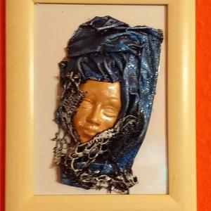 Paverpol női arckép kékben 3D, Otthon & lakás, Dekoráció, Kép, Festett tárgyak, Szobrászat, Paverpol technikával készítettem ezt az arcot ábrázoló 3 dimenziós képet, amit csipkével díszítettem..., Meska