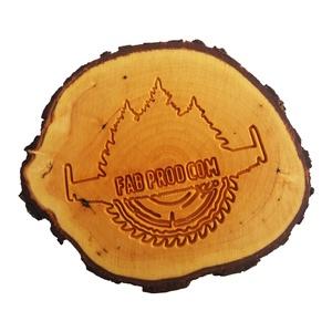 Egyedi hűtőmágnes- fába gravírozott logóval, Hűtőmágnes, Konyhafelszerelés, Otthon & Lakás, Famegmunkálás, Gravírozás, pirográfia, Ha szeretnéd üzleti partnereidet egyedi ajándékkal meglepni, küldd el nekünk logódat üzenetben és a ..., Meska