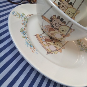 kézzel festett porcelán tálka+tányér+bögre szett, Otthon & Lakás, Festett tárgyak, Általam kézzel festett porcelán tálka és tányér, bögre szett. Földpátos porcelán. \nMéretek: \ntálka: ..., Meska