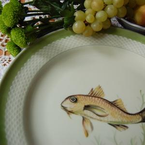 porcelán tányér kézzel festett figurával, Tányér & Étkészlet, Konyhafelszerelés, Otthon & Lakás, Festett tárgyak, 30 cm-es tányér , pikkelyes zöld szegéllyel\n\n(minőségi porcelán! )\n , Meska