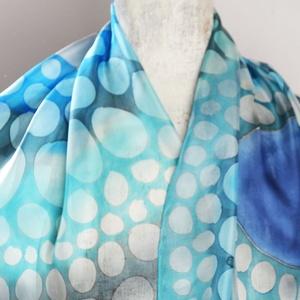 animalONme világoskék-szürke selyemsál kaméleon mintával (silkandmore) - Meska.hu
