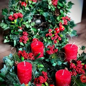 Klasszikus piros karácsonyi szett ajtódísz és adventi koszorú, Otthon & Lakás, Karácsony & Mikulás, Adventi koszorú, Virágkötés, Klasszikus piros díszekkel, selyem és mű zöld alapon készült koszorúk, melyek több évig díszíthetik ..., Meska
