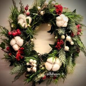 Bogyós téli ajtódísz kopogtató koszorú ajándék, Otthon & Lakás, Dekoráció, Ajtódísz & Kopogtató, Virágkötés, Amikor az ünnepi dekoráció lekerül az ajtóról vagy a lakásból, de a tavasz még messze van, akkor ez ..., Meska