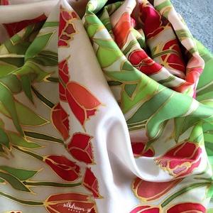 Tavaszi tulipános selyemsál selyemkendő, Ruha & Divat, Sál, Sapka, Kendő, Kendő, Selyemfestés, Az elegáns és egyedi, tavaszi kertek hangulatát idéző piros tulipános selyemsál gyönyörű kiegészítőj..., Meska