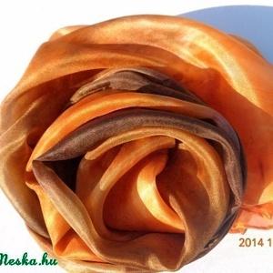 Csoki - narancs selyemsál, Táska, Divat & Szépség, Sál, sapka, kesztyű, Ruha, divat, Sál, Selyemfestés, anyaga: 100 % hernyóselyem\nmérete: 40*150 cm\nKézzel festett selyemsál, gőzfixálós festékkel készült...., Meska