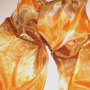 Csoki-narancs selyemsál aranyszínű mintával, Táska, Divat & Szépség, Ruha, divat, Sál, sapka, kesztyű, Kendő, Sál, Selyemfestés, mérete:150*40 cm\nanyaga: 100 % selyem\narany kontúrral megrajzolt motívumokkal díszítve , ( földanya ..., Meska