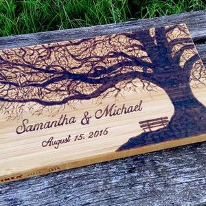 Esküvői emlék -személyre szabott ajándék., Esküvő, Emlék & Ajándék, Nászajándék, Gravírozás, pirográfia, Esküvői emlék névvel,és dátummal.\nKeresel valami egyedit?Ez a személyre szabott fa deszka tökéletes ..., Meska