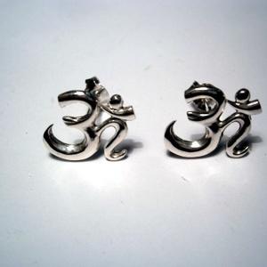 Óm jel ezüst füli , Ékszer, Fülbevaló, Ékszerkészítés, Ötvös, 925-ös ezüstből készítettem a bedugós fülit.11,5x12,5 mm a nagysága., Meska