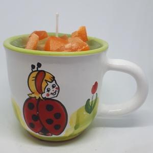 Dán fűszeres narancs gyertya bögrében, Otthon & lakás, Dekoráció, Lakberendezés, Gyertya, mécses, gyertyatartó, Gyertya-, mécseskészítés, Dán fűszeres narancs illatú gyertya,katica mintás bögrébe öntve,  illatolajjal készítve. A bögre mag..., Meska