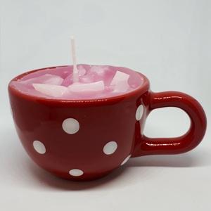 Angol rózsa gyertya bögrében, Otthon & lakás, Dekoráció, Lakberendezés, Gyertya, mécses, gyertyatartó, Gyertya-, mécseskészítés, Angol rózsa illatú gyertya,piros-fehér, pöttyös,majolika bögrébe öntve, angol illatolajjal készítve...., Meska
