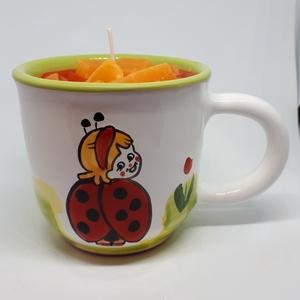 Mangó-nyári gyümölcs gyertya bögrében, Otthon & lakás, Dekoráció, Lakberendezés, Gyertya, mécses, gyertyatartó, Gyertya-, mécseskészítés, Mangó-nyári gyümölcs  illatú gyertya,cica mintás, kézműves bögrébe öntve,  illatolajjal készítve. A ..., Meska