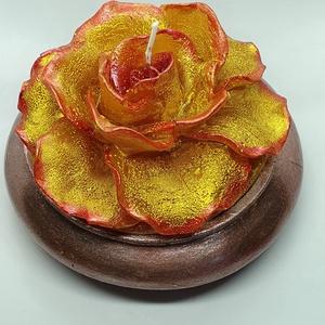 Arany rózsás gyertya, Gyertya & Gyertyatartó, Dekoráció, Otthon & Lakás, Gyertya-, mécseskészítés, Kézzel öntött,kézzel,gyertyafestékkel festett rózsás gyertya,kézzel öntött,kézzel festett beton aljz..., Meska