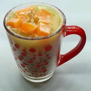 Dán narancs gyertya bögrében, Otthon & lakás, Dekoráció, Lakberendezés, Gyertya, mécses, gyertyatartó, Gyertya-, mécseskészítés, Dán narancs illatú gyertya üvegbögrében,angol illatolajjal készítve. A bögre magassága 10,7 cm, legn..., Meska