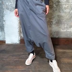 Orientális nadrág - ejtett ülepű nadrág - hárem nadrág, Ruha & Divat, Női ruha, Nadrág, Varrás, Szeszélyes, bevállalós, rabul ejtő.\n\nKeleties hangulatú, derékpánttal és rávarrt zsebbel tervezett, ..., Meska