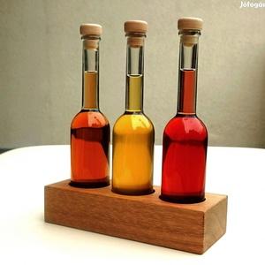 Antiqua kézműves tölgyfa olajtartó szörp tartó 3db üveggel, 18x7x22 cm, Otthon & Lakás, Lakberendezés, Famegmunkálás, Tartó mérete üvegek nélkül: 18*7*4 cm, (üvegekkel 18*7*22 cm magas).\nSúly (tartó + 3 db üres üveg du..., Meska