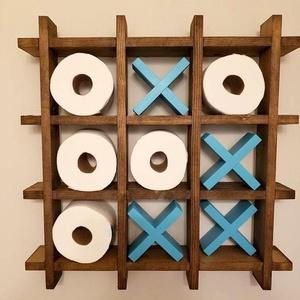 TIC TAC TOE-Toilet papír tartó, Otthon & lakás, Bútor, Polc, Dekoráció, Lakberendezés, Tárolóeszköz, Famegmunkálás, Festett tárgyak, Kreatív és szórakoztató módja a wc papír tekercsek tárolásának. Dekoratív fali tároló amely kis hely..., Meska
