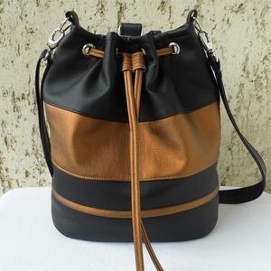 Hátizsák - fekete/bronz, Táska & Tok, Variálható táska, Vagány női táska fekete és bronz színben. Praktikus, hordható válltáskaként és átvetve is. Pár apró ..., Meska