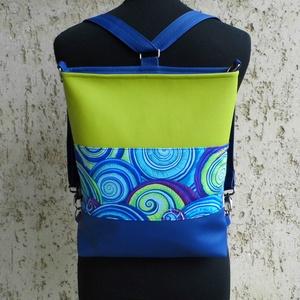 Női hátitáska, Variálható táska, Táska & Tok, Varrás, Sportosan elegáns női válltáska, ami pár apró mozdulattal könnyen hátitáskává alakítható.\nAlapanyaga..., Meska