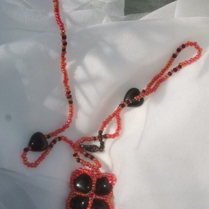 Kőr dáma - fekete-piros medál (Smilylana) - Meska.hu