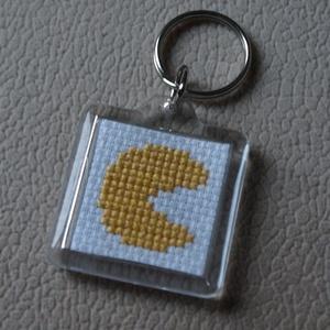 Pac-man hímzett kulcstartó (Smilylana) - Meska.hu