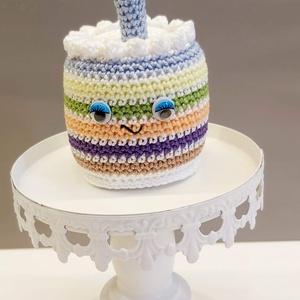 Szülinapi torta, Játék & Gyerek, Szerepjáték, Horgolás, Varrás, A tortácska 11 cm magas a gyertyával együtt. Mivel ragasztott szemecskéje van, így 3 éven aluliak sz..., Meska