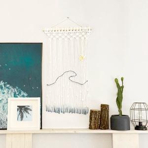 """Makramé falidísz """"Ocean Wave"""" , Otthon & Lakás, Dekoráció, Falra akasztható dekor, Makramé technikával kézzel készített egyedi fali dekoráció. Különleges textúrát ad minden helyiséghe..., Meska"""