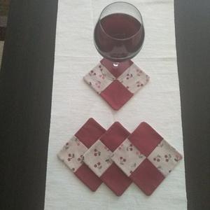 Poháralátét, Otthon & Lakás, Konyhafelszerelés, Tányér- és poháralátét, Varrás, Pamutból készültek ezek a három rétegű poháralátétek, melyek kellemes hangulatot kölcsönöznek egy cs..., Meska