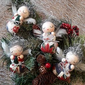 Ezüsthajú ANGYALKA BÉBIK karácsonyi mintás pólyácskában, Otthon & Lakás, Karácsony & Mikulás, Karácsonyfadísz, Baba-és bábkészítés, Picuri angyalkáim is nagyon várják már az év legszebb ünnepét.\nDíszíthetik karácsonyfádat, örömet sz..., Meska