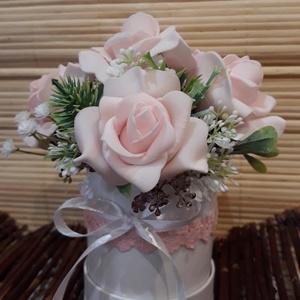 Romantikus rózsás virágdoboz, Otthon & Lakás, Díszdoboz, Dekoráció, Ha szereted a tartós virágokat és az azokból készült ajándékokat, akkor Neked ajánlom ezt a romantik..., Meska