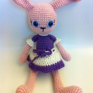 A lila ruhás nő, ja bocs nyuszi! =o) - játék & gyerek - plüssállat & játékfigura - nyuszi - Meska.hu