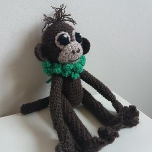 """Mikike, Majom, Plüssállat & Játékfigura, Játék & Gyerek, Horgolás, Varrás, \""""Hej de messze majomország,\nott terem majomkenyér,\nmajomablak majomrácsán\nmajomnótát ráz a szél.\""""\n(W..., Meska"""