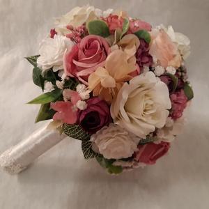 Fehér és rózsaszín harmónia, Esküvő, Menyasszonyi- és dobócsokor, Menyasszonyi- és dobócsokor, Rendelésre készítettem ezt a csokrot, mely fehér és rózsaszín harmóniájával készült. Minőségi selyem..., Meska