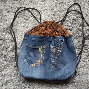 Csillogó farmer hátizsák, Táska, Táska, Divat & Szépség, Hátizsák, Varrás, Készítettem egy aranyos farmer táskát.Méretei magasság 37 cm szélesség  31 cm  oldal szélesség 8 cm ..., Meska
