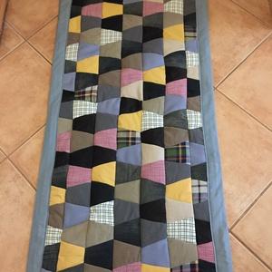 Farmer szőnyeg , Otthon & Lakás, Lakástextil, Falvédő, Varrás, Farmervászon és  pamutvászonból készült ez a  130 x   58 cm  méretű.szőnyeg  Mosható 40 fokon. Ragas..., Meska