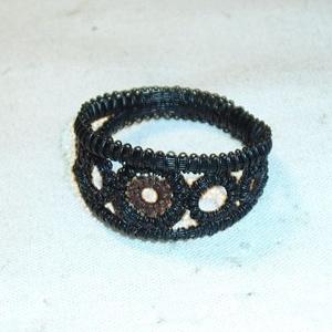 Lószőr gyűrű, karikákkal, Ékszer, Gyűrű, Kerek gyűrű, Csomózás, Ékszerkészítés, Lószőrből, azaz a ló farok szálaiból, csomózásos technikával készített, saját tervezésű gyűrű, feket..., Meska