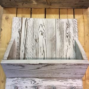 kulcs és levél tartó, Bútor, Otthon & lakás, Dekoráció, Polc, Famegmunkálás, Festett tárgyak, Tömör fából készül, leégetjük az alapanyagot, így tartósítjuk a fát, az erezete előtűnik, tapintható..., Meska