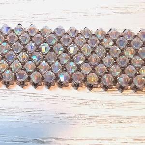 Swarovski Kristály gyöngy karkötő, Ékszer, Karkötő, Gyöngyös karkötő, Gyöngyfűzés, gyöngyhímzés, Swarovski Kristály gyöngyökből fűzött karkötő.\n\nA karkötőhöz 4 mm-es Swarovski Kristály AB gyöngyöke..., Meska