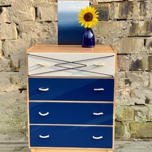 Komód, szekrény, Szekrény, Bútor, Otthon & Lakás, Festett tárgyak, Eladó ez a tengerész stílusban felújított retró fiókos komód.  Kék zománc festékkel festettem, a fel..., Meska
