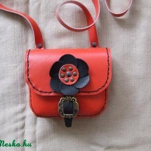 Kétfunkciós kicsi piros női táska - Meska.hu