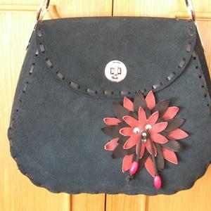 Az egyik ,,különleges táska