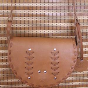 Bőrfűzéses kis táska, Táska & Tok, Válltáska, Kézitáska & válltáska, Bőrművesség, Meska