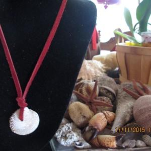 AKCIÓ!!! Kagyló medál bőrszálon,egyenesen az Adriai tengerből (spalti51) - Meska.hu
