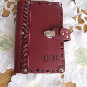Kicsi naptártartó mappa bőrfűzéssel, Otthon & Lakás, Jegyzetfüzet & Napló, Papír írószer, Bőrművesség, Meska