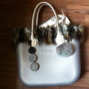 O bag táskadísz valódi bőrből-érdekes ,,tekerős