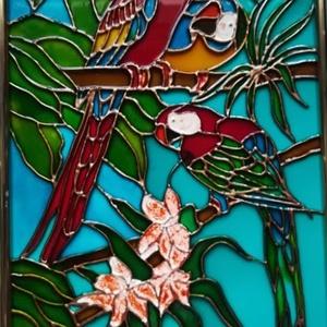 Papagályok. Üvegfestmény., Festmény vegyes technika, Festmény, Művészet, Festészet, Üvegművészet, 21-szer 30 cm-es üveglapra festett kép bekeretezve. Üvegfestési technikával készült.\nAz üvegfestmény..., Meska