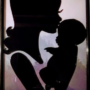 Anya gyermekével. Anyáknapjára, babavárásra. Üvegfestmény, Akvarell, Festmény, Művészet, Festészet, Üvegművészet, Speciális üvegfestési technikával készült kép, 21*30 cm-es üveglapra festve, bekeretezve.\nTeljes mér..., Meska