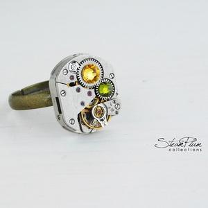 Miss Myra Withlock - gyűrű swarovski kövekkel díszítve, Ékszer, Statement gyűrű, Gyűrű, Régi idők női karóra belsői lényegültek át az egyik legkedvesebb ékszerünké. Meglátod, ha felveszed,..., Meska