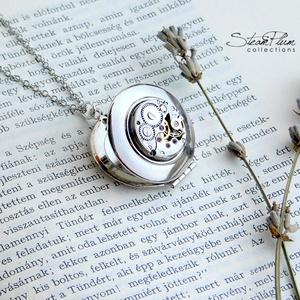 Miss Dorothy Dickson -nyaklánc ezüst színű nyitható medállal, Ékszer, Zárható titok nyaklánc, Nyaklánc, A Miss Dickson nyakláncok igazi személyre szóló darabok. A nyitható medálok belsejébe  szívünknek ke..., Meska