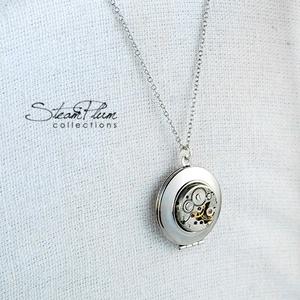 Miss Dorothy Dickson -nyaklánc ezüst színű nyitható medállal (SteamPlum) - Meska.hu